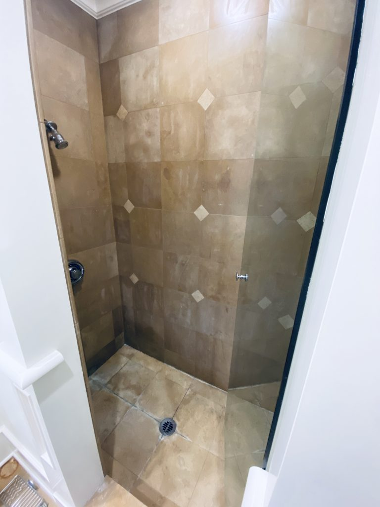 Shower room before the refinish